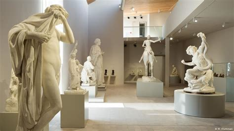 Rodin′s lover, sculptor Camille Claudel, gets museum near