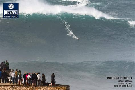 Big and competing waves in Nazaré in October - NEWS