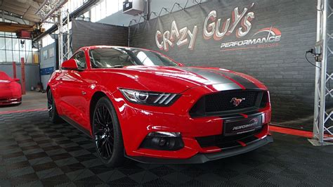 Ford Mustang GT Fastback rouge - Performance Motors