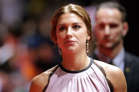Despite being robbed, Alex Morgan still looks sexy as hell