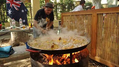 This paella competition is stirring stuff : SBS Food