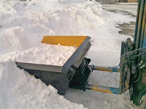 Snow Bucket | A Quick Attach Snow Plow for Forklifts