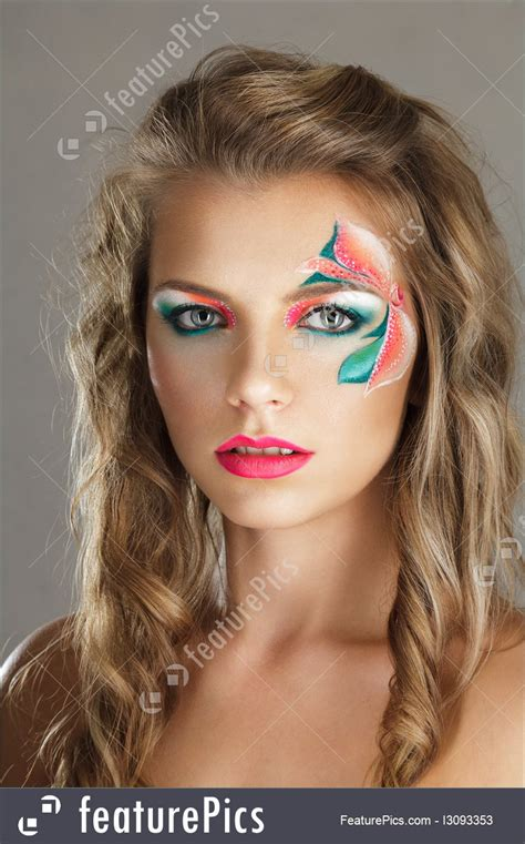 Body Art And Beauty: Beautiful Young Woman With Creative